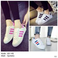 Sepatu Kets Wanita Adidas Replika Putih Garis Hitam