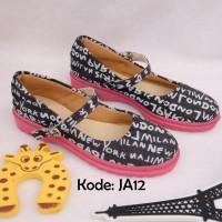 Kode RSJA12   Sepatu Flat Shoes Kain Kanvas Motif Docmart Wanita