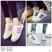 Sepatu Kets Wanita Adidas Replika Putih Garis