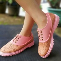 Sepatu Wanita Docmart Pink