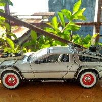 DIECAST WELLY BACK TO THE FUTURE / BTTF