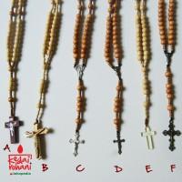Kalung Rosario Manik/Mote Kayu Bandul Salib dengan/tanpa Herces