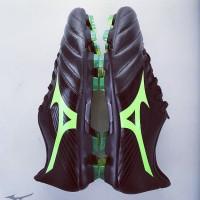 Sepatu Bola Mizuno Basara 101 KL - Black/Green Gecko