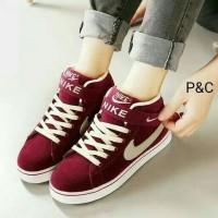 Sepatu Boot Kets Wanita Red Maroon NIKE Casual Modis Pusat Sepatu Cool
