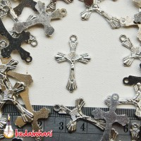 Bandul Salib Logam Nikel kecil Bahan Souvenir Kalung/Gelang Rosario