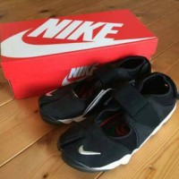 Sepatu Nike Air Rift Black White Premium Quality