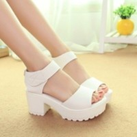 Sepatu High Heel Heels Boot Docmart Putih