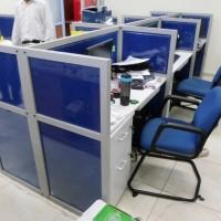 Meja Sekat Kantor Finishing Kain Fabric Cubicle Workstation