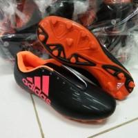 Sepatu Bola Adidas 2016