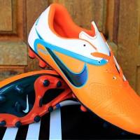Sepatu Nike CTR 360 Maestri orange (soccer-futsal-sport-bola-olahraga)