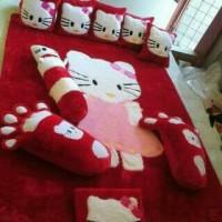 Karpet karakter/Karpet Bulu Bulu/ Kasur Bayi/Surpet Hello Kitty Merah