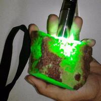 Batu Natural Chrysoprase Chalcedony Australia 1/2 ons