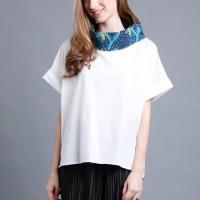 Atasan wanita batik warna putih Heidi motif biru jumbo