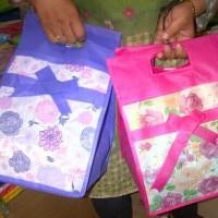 Tas Berkat/Goodie Bag Bamboo motif Bunga 22 x 22