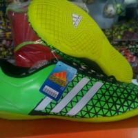 sepatu futsal adidas ace hijau stabilo