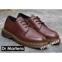 Sepatu Dr Martens Low 3 Hole Docmart Kulit Pendek Sneakers