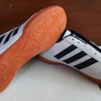sepatu futsal adidas adinova-sfa358