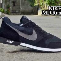 TERLARIS! Sepatu Nike MD Runner Hitam List Abu MURAH! BUKAN nmd yeezy