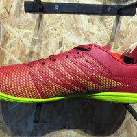 Sepatu futsal specs original Apache in dark red/solar s Limited