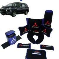 Mitsubishi Xpander Bantal dan tempat Sampah Mobil