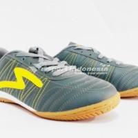Sepatu Futsal Specs Horus - Dark Charcoal/Yellow (100% original) 2017