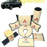 Mitsubishi Xpander Bantal dan tempat sampah aksesoris mobil