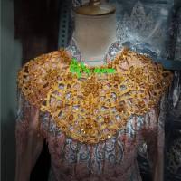 aksesoris dada leher teratai payet warna warni baju adat dam tarian