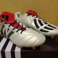 Sepatu Bola / Soccer Adidas Predator Mania 2017 Champagne - FG