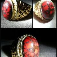 Batu Pirus Merah