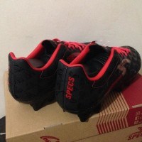 Asliii Sepatu Bola Specs Quark Fg Black Emperor Red 100756 Original
