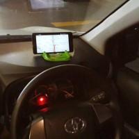 Universal Stand HP - GPS / Docking Handphone / Holder Mobil Karakter