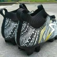 Sepatu Bola Specs Heritage FG edisi 2018 Black gold white