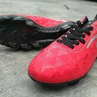 Sepatu Bola Sepatu bola specs Quark FG 2018 Chestnut red black silver