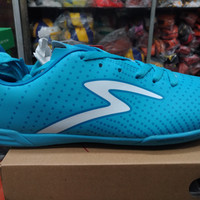 SEPATU FUTSAL SPECS BARRICADA GUARDIAN IN CITY BLUE WHITE ORIGINAL