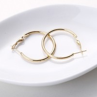 Anting Hoop Fashion Gold Color Round Shape Decorate (3Cm) E25506