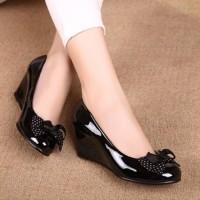 Sepatu Wanita Pantofel Polkadot SWG03