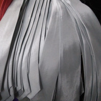 Dasi Pria Panjang /Dasi Polos Satin Slim Silver Ukuran 2 inchi ( 5cm )