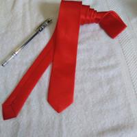 Dasi Pria Panjang / Satin Super Slim 5 Cm / Warna Merah Terang