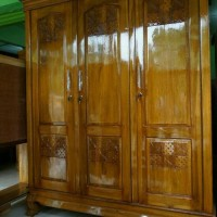 lemari pakaian 3 pintu kayu jati model swing