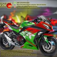 Decal Produk Decal Striping Kawasaki Ninja 250 FI Hijau Merah