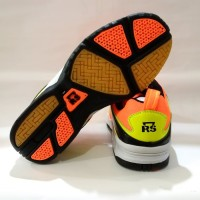 new RS Sirkuit 570 Sepatu Bulutangkis Badminton