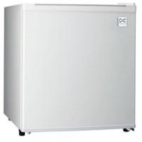 DAEWOO Kulkas Mini Refrigerator Portable DFR 64H Limited