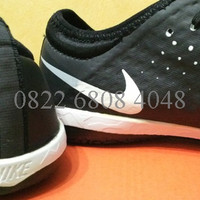 Sepatu Futsal Nike Elastico Finale III White Black