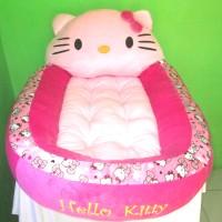 Kasur bayi karakter boneka hello kitty motif polkadot