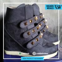 sneaker hidden wedges sepatu wanita nike adidas docmart heels hitam