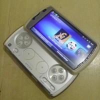 HP Sony Ericsson Xperia Play R800I White Mulus Normal Batangan