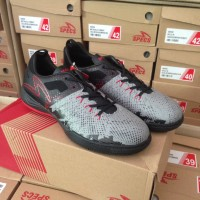 Sepatu Futsal Specs Metasala Combat Cool Grey Original