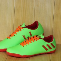 Sepatu futsal anak Adidas Messi Biru Hijau stabilo