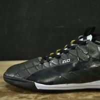 Sepatu futsal puma invicto fresh Hitam.