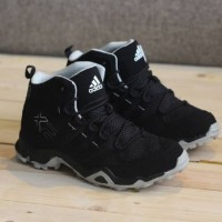 sepatu running adidas ax2 high made in vietnam import black red 39-44